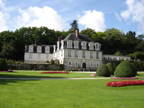 Chateau de beaulieu à joué les tours